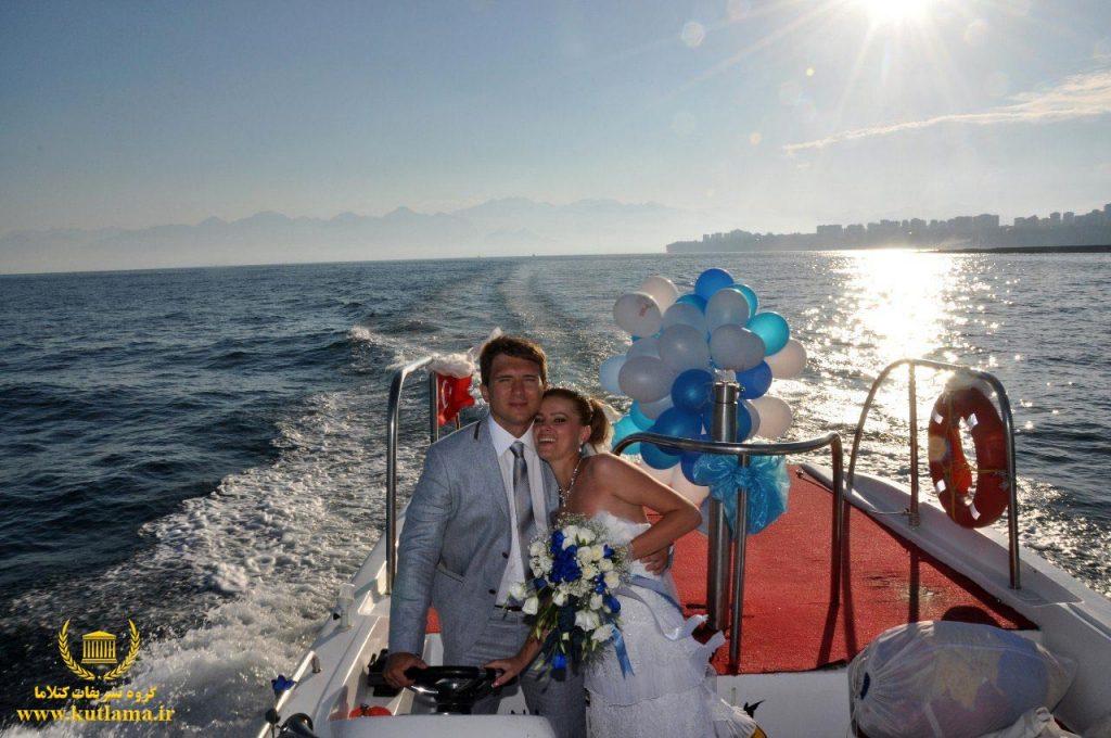 عکاسی عروسی روی قایق