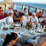 جشن عروسی قایق بادبانی