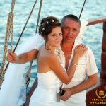 عروسی روی قایق بادبانی