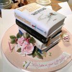 کیک با طرح کتاب مناسب برای فارغ التحصیلی