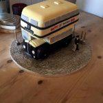 کیک با طرح اتوبوس و راننده