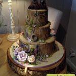 کیک تولد چهارطبقه تنه درخت و خرسها