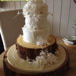 کیک چهارطبقه با طرح تنه درخت و گلهای برجسته