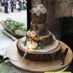 کیک چهارطبقه تنه درخت همراه گل