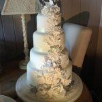 کیک عروسی چهارطبقه گل برجسته