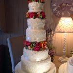 کیک پنج طبقه زیبا با طرح برجسته