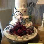 کیک چهار طبقه با طرح گل بزرگ