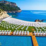 عروسی ساحلی در سواحل مدیترانه